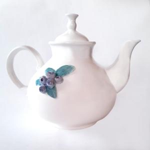 Чайник фарворовый доливной с ягодами