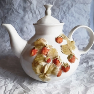 Чайник большой гостевой доливной с клубникой
